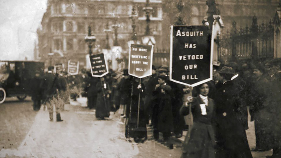 Suffragettes Forever